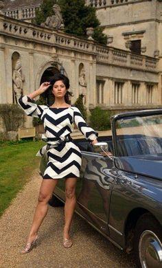 Classic Cars : Citroen advert… looking good…. Citroen Ds, Psa Peugeot Citroen, Up Auto, Pin Up, 2cv6, Cabriolet, Car Girls, Sexy Cars, Vintage Tops