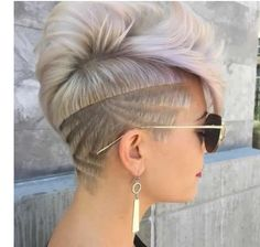Have you seen the latest trend of undercut hair designs for women? For ladies who like bringing something new and different hair ideas to the table, these shaved hair designs for women and use of colors are very much a thing to be looking into. Teen Hairstyles, Undercut Hairstyles, Shaved Hairstyles, Wedding Hairstyles, Bald Hairstyles For Women, Nape Undercut, Undercut Styles, Blonde Hairstyles, Short Hair Cuts
