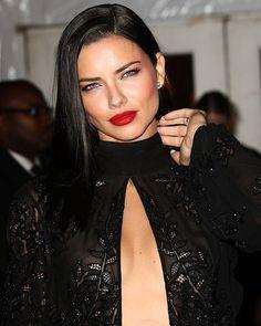 #adrianalima#victoriassecret#vsfs#lelisblanc#paris#model#beauty#brunnette#love#instagood#cute#tbt#follow#photooftheday#picoftheday#happy#beautiful#girl#like#fashion#instadaily#instalike#fantasybra#makeup#hair#nomakeup#smile#withoutmakeup#newyear#brunette