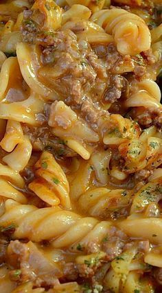 Delicious, creamy Amish Country Casserole ~ economical recipe enough for 8 - 10 servings (Rotini Pasta Recipes) Pasta Dishes, Food Dishes, Main Dishes, Easy Casserole Recipes, Casserole Dishes, Pasta Casserole, Amish Country Casserole Recipe, Ground Beef Recipes, Ground Beef Dishes