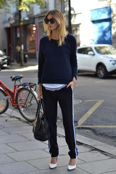 More sporty chic, sporty look, casual chic, athleisure trend, trouser outfi Sport Chic, Sport Style, Sport Luxe, Sneakers Fashion Outfits, Mode Outfits, Chic Outfits, Sport Outfits, Athleisure Trend, Casual Winter Outfits
