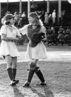 Kit and her sister Dottie Hinson in A league of their own -