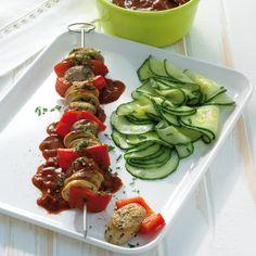 Lekker op de #BBQ: Shaslicks met frisse komkommersalade. #WeightWatchers #WWrecept