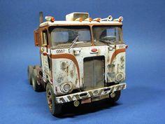Peterbilt 352 COE UniLite, AMT 1/25 scale. By Christian Gottschlich. #model_cars #scale_model #truck