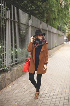Boots: Senso + Sarenza // scarf: pull&bear // coat: Sheinside