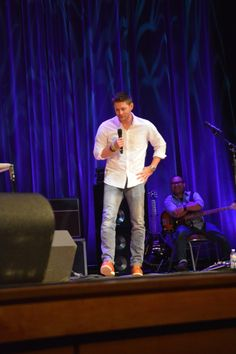 October 2016_Convention...Attack of the white shirt. <3 *flails*