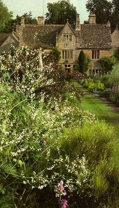 Burford, Oxfordshire, England, UK