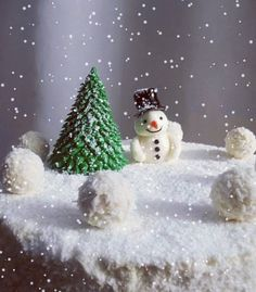 Well, winter is coming. I just hope this time it will be as sweet as this sugar snowman on my cake ❤️😊 Christmas Tree, Christmas Ornaments, Winter Is Coming, White Chocolate, Snowman, Cake Decorating, Food And Drink, Sugar, Cold