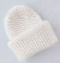 Три узора для шапочки Такори спицами Knitting Designs, Knitting Patterns, Knit Beanie Hat, Beret, Knitting Accessories, Home Crafts, Knitted Hats, Knitwear, Knit Crochet