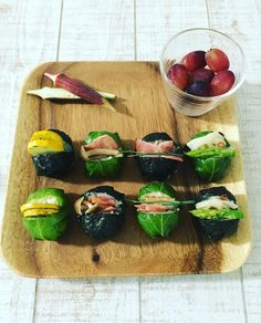 Temari Sushi, Asian Recipes, Ethnic Recipes, Party Finger Foods, Rice Balls, Japanese Food, No Cook Meals, Delish, Easy Meals