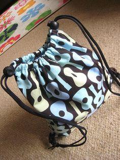 Kitschy Coo: Tutorial: Drawstring Gym / PE Kit backpack