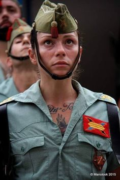 Imagen Military Women, Military Police, Army Girl Halloween Costume, German Soldiers Ww2, Tough Girl, Civil War Photos, Female Soldier, Warrior Girl, Girls Uniforms