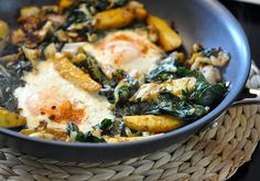 A Reader Recipe: Vegetarian Hash With Leeks, Chard, and Fingerling Potatoes Healthy Side Dishes, Healthy Foods To Eat, Healthy Eating, Healthy Recipes, Vegetarian Hash, Vegetarian Breakfast, Savory Breakfast, Leek Recipes, Vegetable Recipes