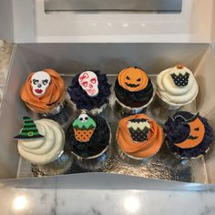 Cupcakes Halloween. Halloween Cupcakes, Desserts, Food, Fondant Cakes, Lolly Cake, Dulce De Leche, Candy Stations, Cookies, Best Recipes
