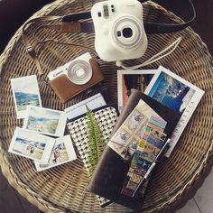 My kind of travel essential #travelersnotebook #midori #midoritravelersnotebook…