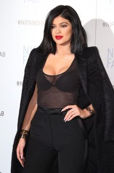 Kylie Jenner at the Nip+Fab event in London, UK Kylie Jenner Vestidos, Kylie Jenner Fotos, Kyle Jenner, Kylie Jenner Outfits, Kendall And Kylie Jenner, Kardashian Style, Kardashian Jenner, Mode Outfits, Fashion Outfits