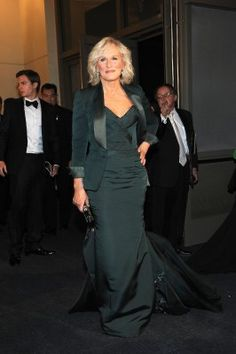 Check out what the stars wore to the Governors Ball after the 2012 Oscars. Winners showed off their awards and celebrities looked stunning in their Oscar attire. Check out more red carpet outfits i… Glenn Close, Oscars 2012, Devil Wears Prada, Hollywood, Get It Now, Zac Posen, Celebrity News, Marie, Literature