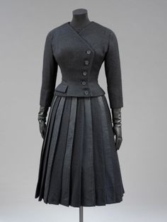 Givenchy suit ca. 1955 via The Victoria & Albert Museum
