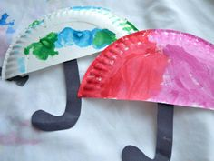 Get creative with your kid crafts this spring. We love these cute umbrellas made out of paper plates. http://www.ivillage.com/kids-spring-activities/6-b-435808#531865