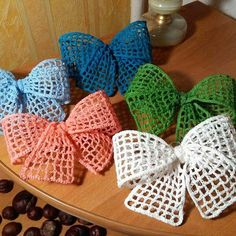 More bows …. # crochet decorations # crafts … – My CMS Bandeau Crochet, Crochet Bows, Crochet Butterfly, Thread Crochet, Crochet Crafts, Crochet Projects, Scarf Crochet, Diy Crochet, Crochet Bow Pattern