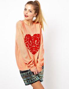 Suéter con estampado de corazón y diseño barroco de ASOS