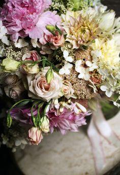 re:pin BKLYN contessa :: saipua floral arrangement My Flower, Fresh Flowers, Beautiful Flowers, Magenta Flowers, Dahlia Flowers, Wedding Bouquets, Wedding Flowers, Belle Plante, Purple Home