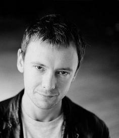 John Simm aka the Master. a pretty one. British Boys, British Actors, Doctor Who Cast, Human Traffic, John Simm, State Of Play, Life On Mars, David Tennant, Hello Gorgeous