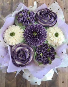 Flower Cupcake Cake, Cupcake Flower Bouquets, Cupcake Piping, Cupcake Cake Designs, Food Bouquet, Cupcake Art, Cupcake Cakes, Elegant Cupcakes, Fancy Cupcakes