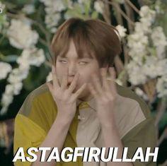 Memes Funny Faces, Funny Kpop Memes, Cute Memes, Muslim Meme, Funny Tweets Twitter, Cartoon Jokes, Cartoon Images, Art Jokes, Funny Memes