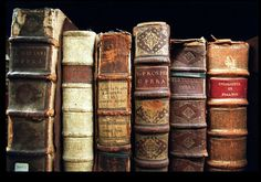 Old Disney books! read disney books every night when i was little Old Books, Antique Books, Rustic Books, Paperback Books, Little Dorrit, Illustration Art Nouveau, Photo Vintage, Old Disney, Disney Magic