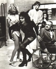 Susan Sarandon, Tim Curry, Barry Bostwick, Jonathan Adams, and Patricia Quinn in The Rocky Horror Picture Show Janet Rocky Horror, Tim Curry Rocky Horror, Rocky Horror Show, The Rocky Horror Picture Show, Film Anime, Time Warp, Horror Movies, Science Fiction, Movie Tv