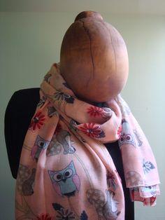 Šála se sovičkami a veverkami - růžová Jemně růžová šála s hebkými sovičkami a veverkami. 180 x 100 cm