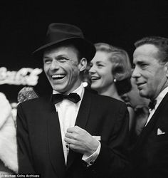 We all knew about Bacall and Sinatra but hoped Bogie wouldnt find out - Icon People - Ideas of Icon People - Frank Sinatra Humphrey Bogart and Lauren Bacall. Old Hollywood, Golden Age Of Hollywood, Hollywood Stars, Classic Hollywood, Humphrey Bogart, Joey Bishop, George Hurrell, Divas, Lauren Bacall