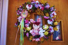 Raggedy Ann wreath - Easter but cute!