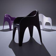Love this new chair designed by @karim_design for @LoewensteinInc @OFSBrands #neoconography #neocon13 instagram.com/p/ZoBIhiSMGV/  - @revarevisPR