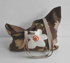 Big woven bag floral pattern brown lining por BiZiAccessories