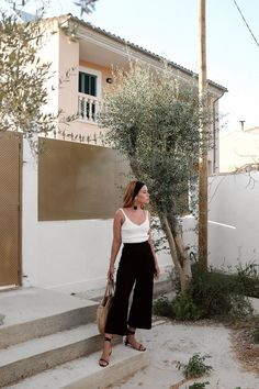 black wide leg culottes, white v neck tank, sandals, work outfit idea | interview outfit idea