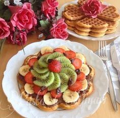 Pasta Diyarı: Waffle Tarifi – Kolay yemekler – The Most Practical and Easy Recipes Homemade Beauty Products, Sweet Cakes, Cravings, Food And Drink, Yummy Food, Cookies, Fruit, Breakfast, Desserts