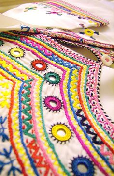 Hand Embroidery on a dress, from Qandahar, Afghanistan Hand Embroidery Stitches, Hand Embroidery Designs, Embroidery Techniques, Ribbon Embroidery, Beaded Embroidery, Cross Stitch Embroidery, Embroidery Patterns, Ancient Egyptian Jewelry, Kutch Work