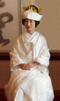 Traditional Wedding White gawn kimono
