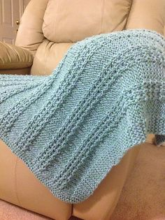 by Laura Knitted Afghans, Knitted Blankets, Baby Blankets, Chunky Knits, Chunky Wool, Green Blanket, Decor Ideas, Craft Ideas, Big Project