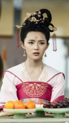 Costumes For Women, Female Costumes, Culture Clothing, Beautiful Chinese Girl, Art Of Beauty, Scarlet Heart, Hanfu, China Fashion, Traditional Outfits