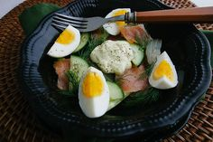 Smoked salmon salad with homemade mayo, soft-boiled eggs, fresh dill, and cucumbers | meljoulwan.com