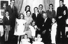 Casa Imperial do Brasil - A Família Imperial reunida com Dona Maria e Dom Pedro Henrique Fotografia de 1962