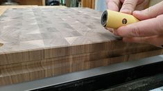 How to Make an End Grain Butcher Block Butcher Block Top, Butcher Block Countertops, Cutting Boards, Butcher Block Cutting Board, Woodworking Projects Diy, Step By Step Instructions, Life Hacks, Grains, Projects To Try