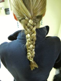 hair . 5 piece braid :* How does someone even do this lol