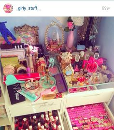Love the separate sections to the vanity! All products and jewelry in one! <3