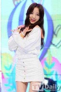 Lovelyz-Kei Seo Jisoo, Lovelyz Kei, Lee Soo, Ulzzang Girl, Girl Group, Kpop, Dresses, Girls, Fashion