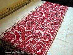 Kalotaszegi varrottas asztali futó - 18000 Ft - Nézd meg Te is Vaterán - Csipke, terítő - http://www.vatera.hu/item/view/?cod=2096203559