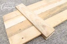 Three foot boards for reversible scarecrow snowman signs 2019 Three foot boards for reversible scarecrow snowman signs The post Three foot boards for reversible scarecrow snowman signs 2019 appeared first on Pallet ideas. Pallet Snowman, Wood Snowman, Snowman Crafts, Craft Stick Crafts, Craft Ideas, Halloween Crafts, Fun Crafts, Decor Ideas, Scarecrow Painting